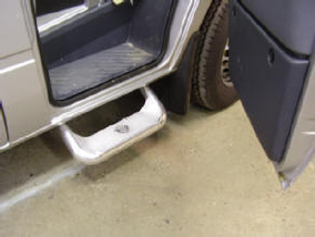 02-06 Sprinter step kit for front doors