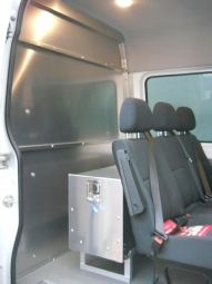 Sprinter midship partition, solid without window
